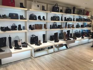 boutique de chaussures à Saint Etienne